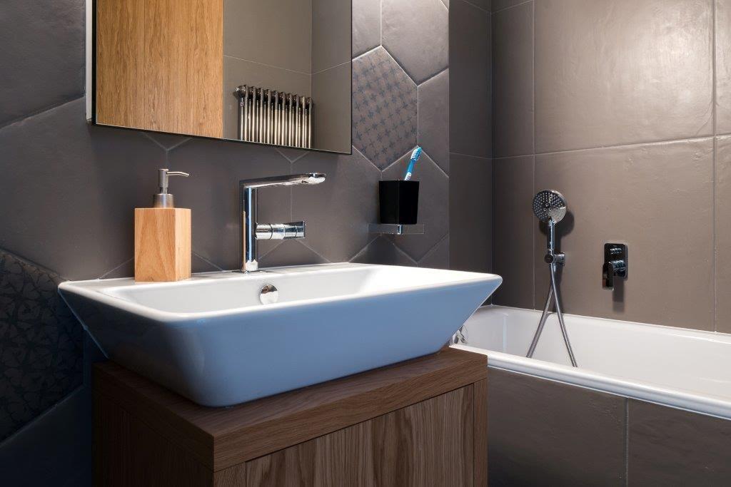 płytki heksagonalne w łazience