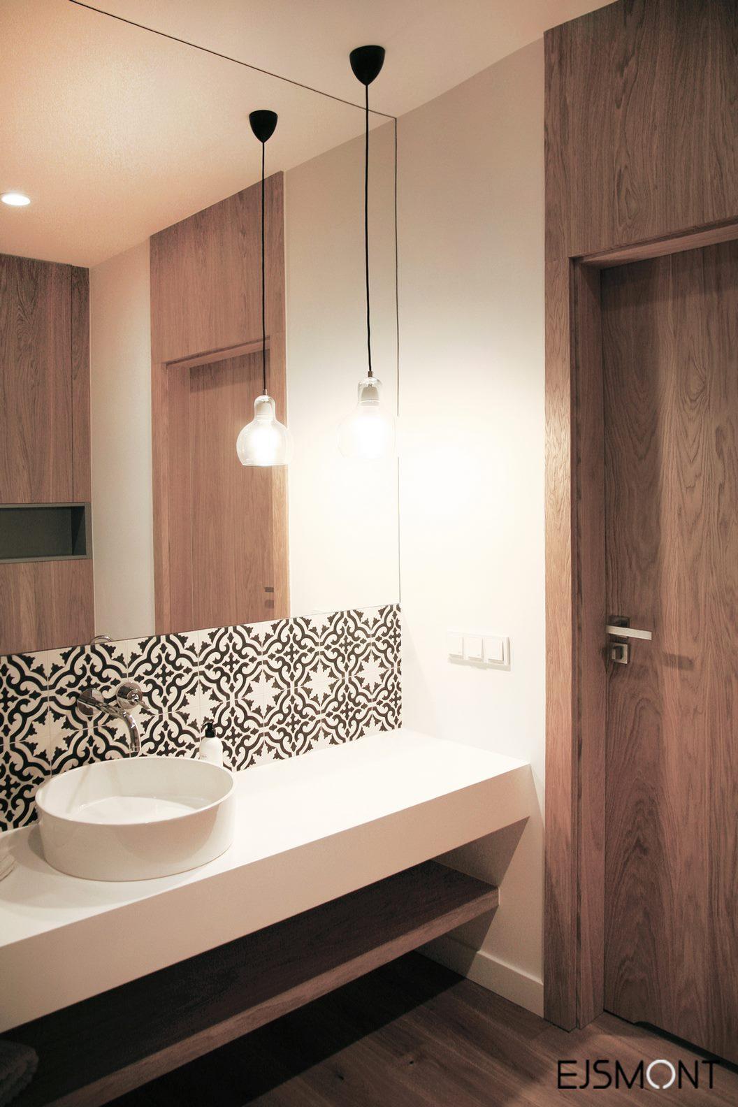 drewniany motyw w łazience