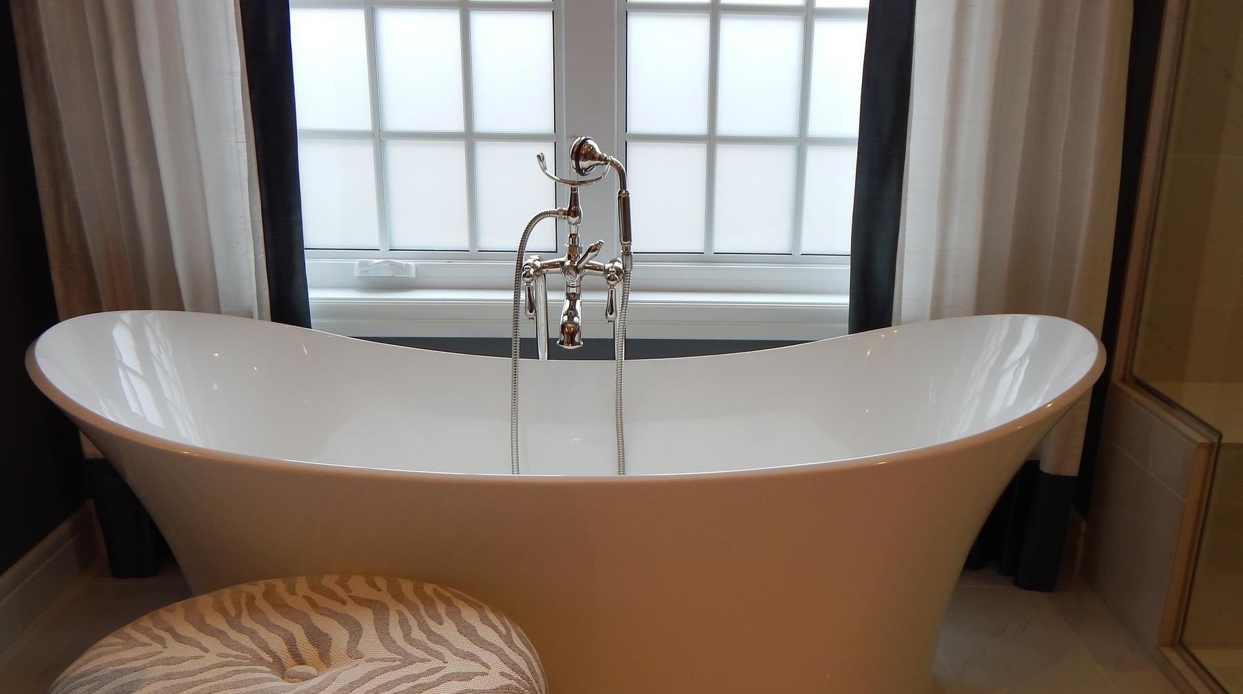 aranżacja okna w łazience