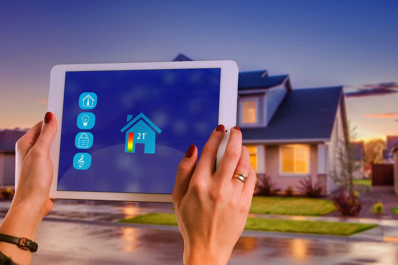 tablet do obsługi inteligentnego domu